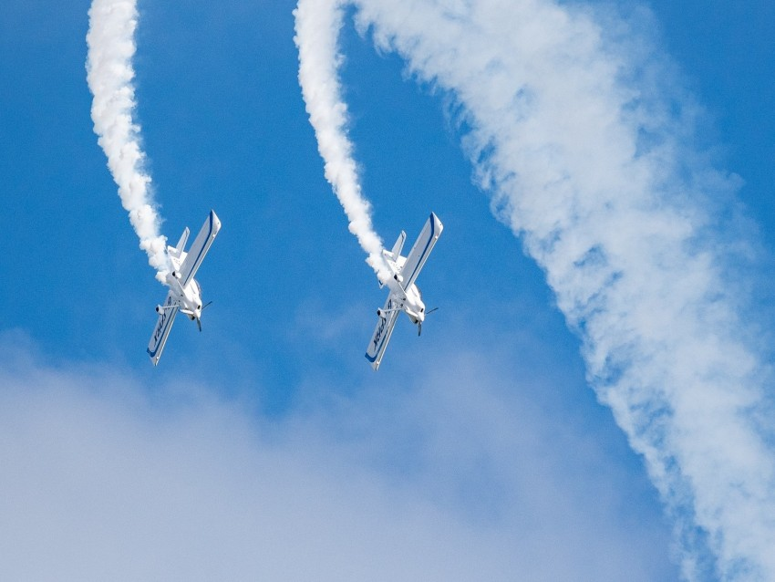 free PNG airplanes, smoke, sky, aerobatics, air shows background PNG images transparent