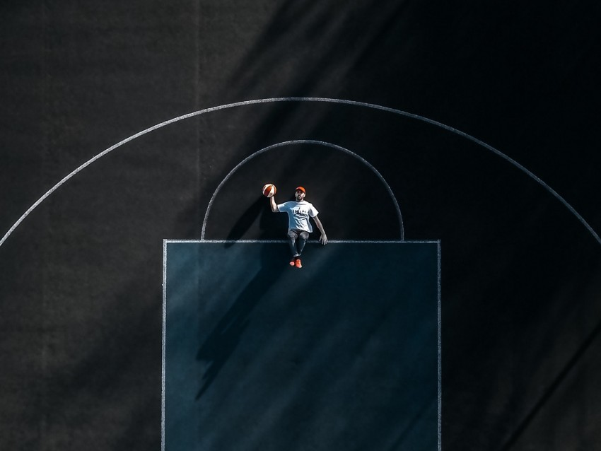 free PNG basketball court, man, aerial view, marking, basketball background PNG images transparent