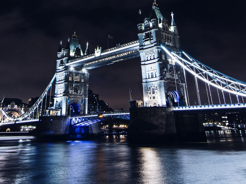 free PNG bridge, night city, city lights, lights, water, sky background PNG images transparent