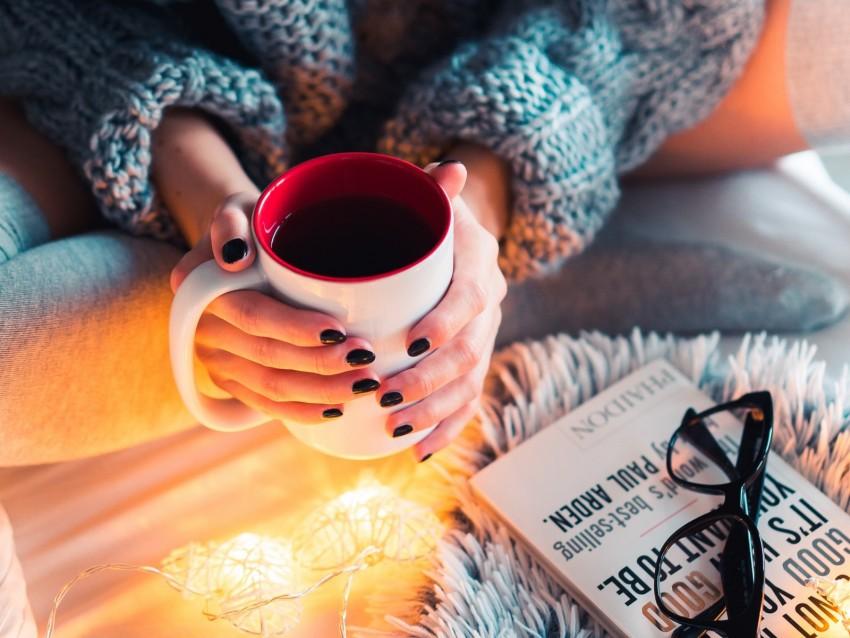 free PNG coffee, mug, hands, garland, comfort, mood background PNG images transparent