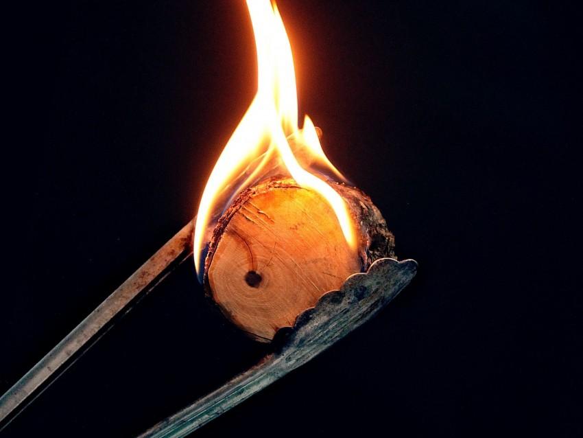 free PNG fire, flame, burn, wood, dark background PNG images transparent