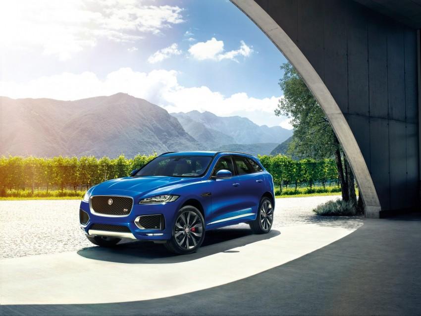 free PNG jaguar f-pace, jaguar, crossover, blue, dynamic, powerful, auto background PNG images transparent