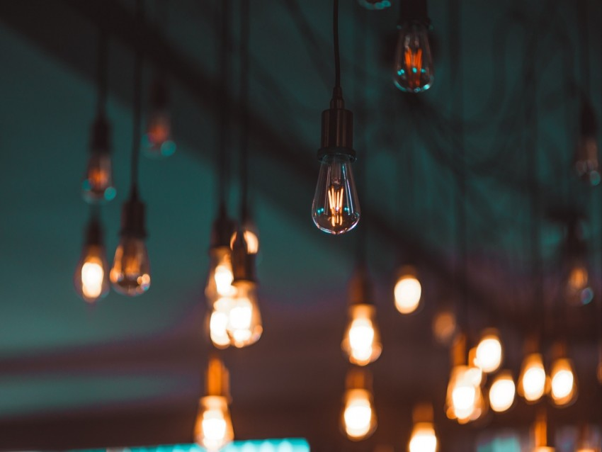 free PNG light bulbs, lighting, electricity, blur, ceiling background PNG images transparent