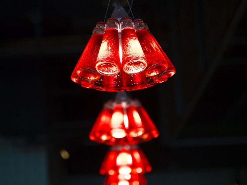free PNG light bulbs, red, illumination, lighting, motion blur, light background PNG images transparent