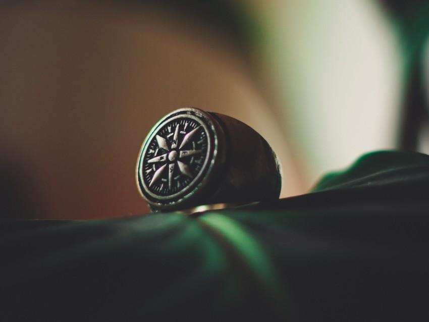 free PNG ring, silver, signet, jewel, pattern, wind rose background PNG images transparent